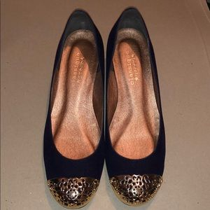 Cute wedge from Japan in navy size 6.5